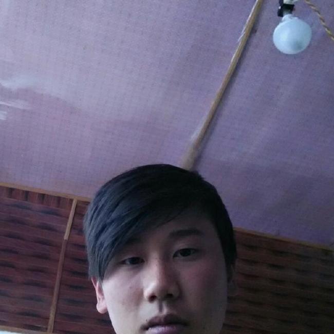 M少年照片