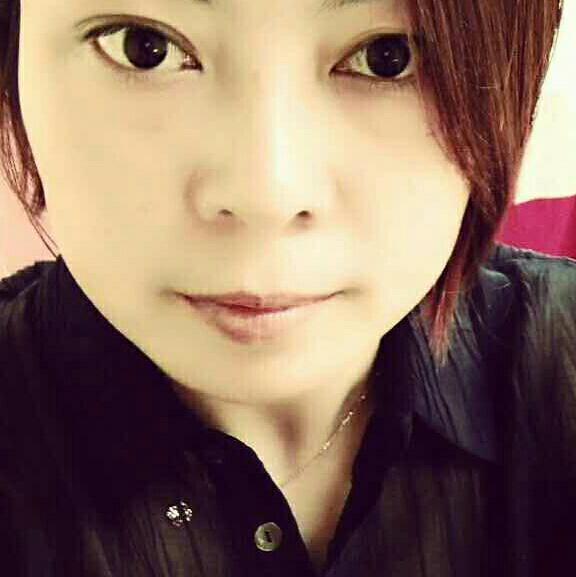 霞霞妹照片