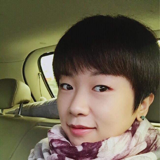 小恬妮照片