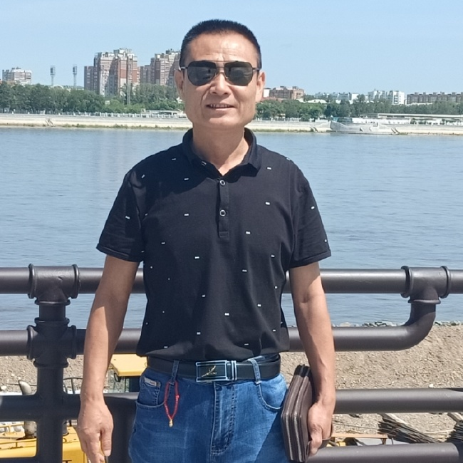 zheng照片