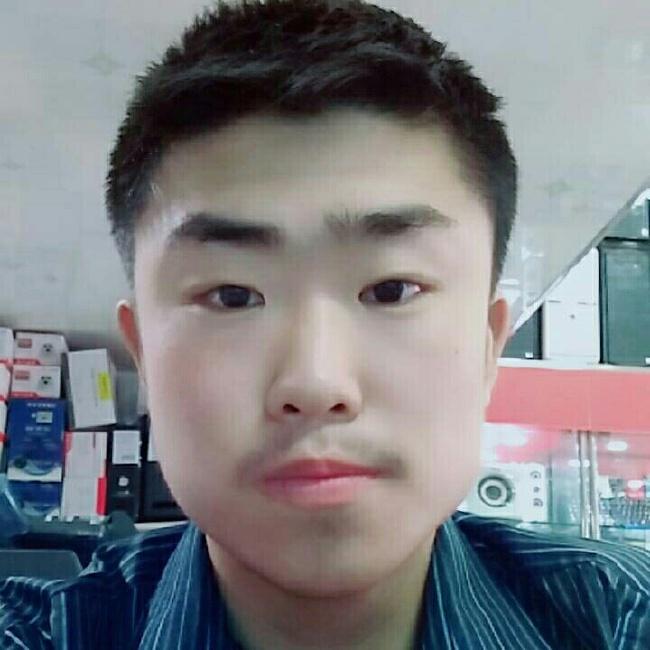 胡旭东照片