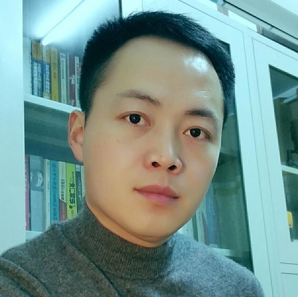 杨小兵照片